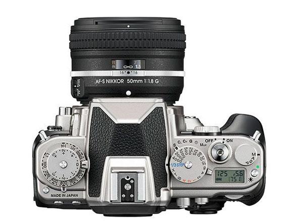Nikon Df Silver -- Top