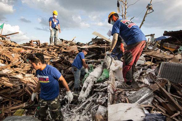 Typhoon Yolanda, Tacloban, Philippines | Lorenzo Moscia