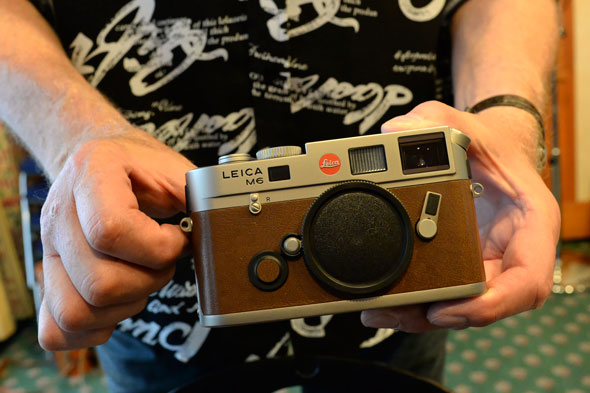 As said, this special edition mint Leica M6 TTL can be had for a good price. Contact me if you got an itch.