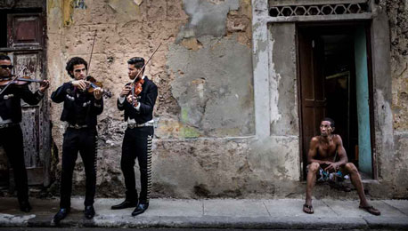 Feeling Invisible in Cuba With the Ricoh GR